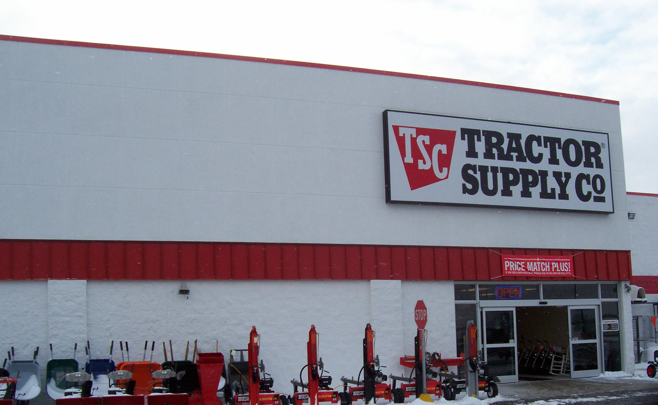 Tsc Tractor Supply : Tractor supply co brings economic growth for walnut ridge
