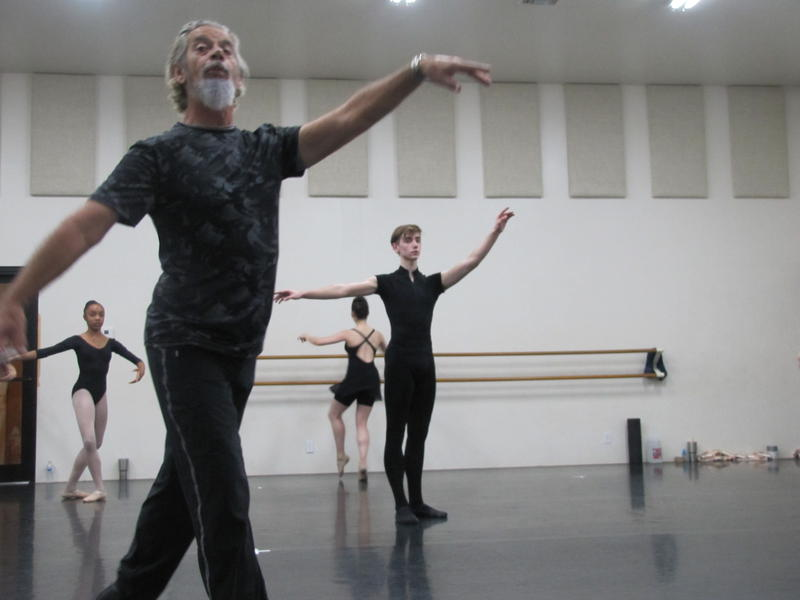 Jon Cristofori instructing his students