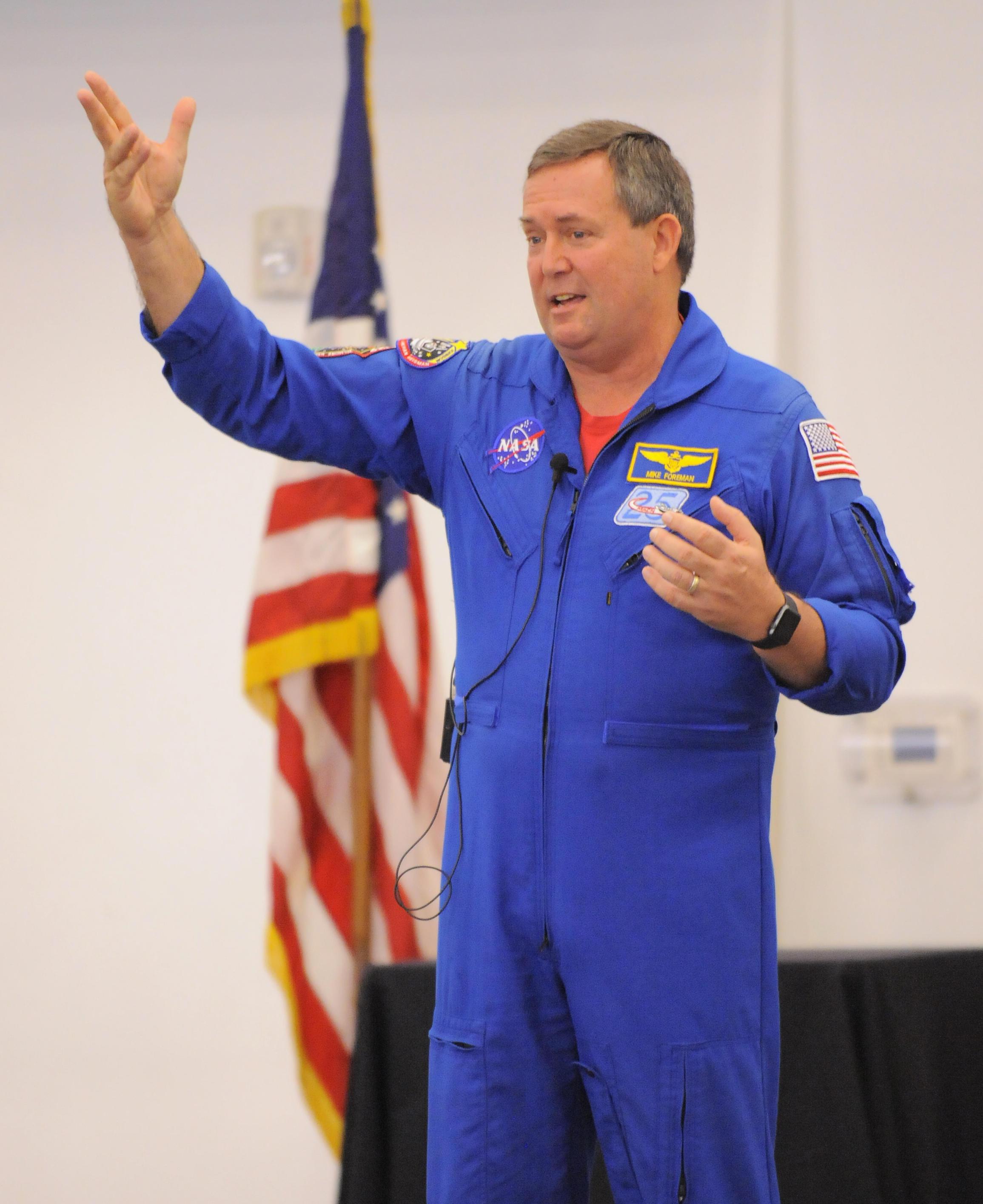 michael foreman astronaut - photo #10
