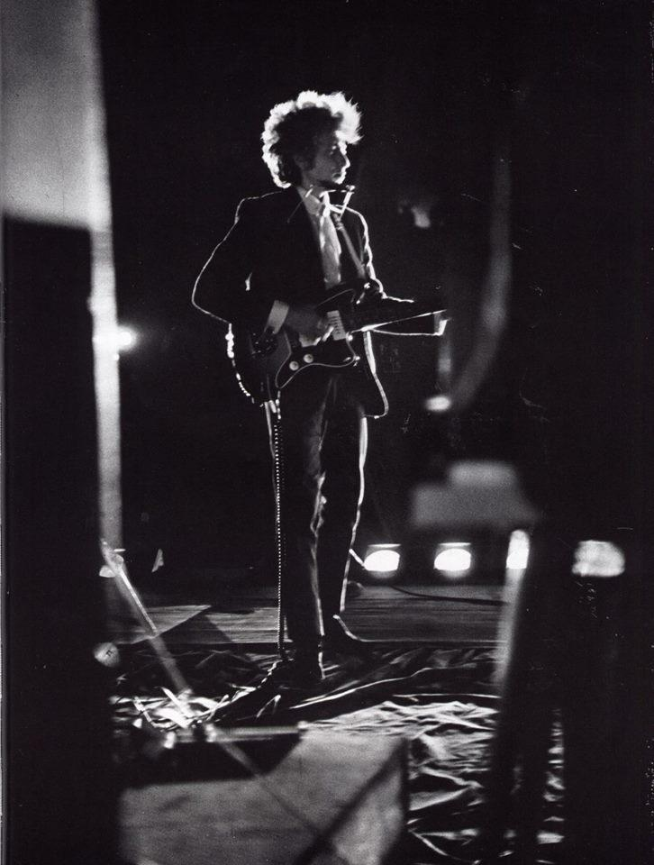 Dylan at Forest Hills Tennis Stadium, NYC 1965