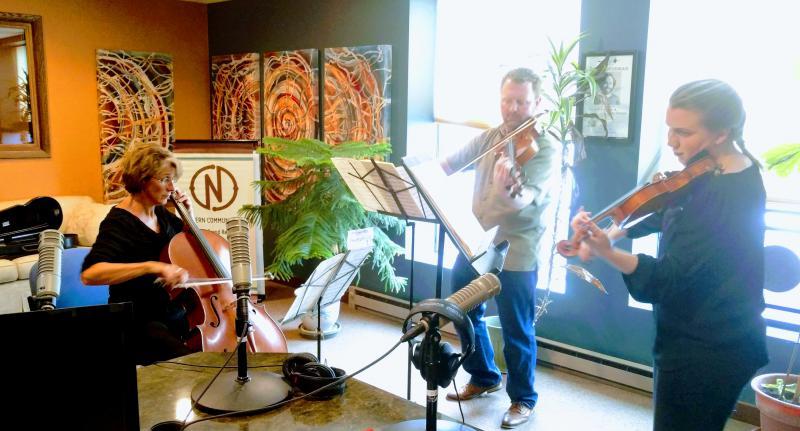 Minnesota Orchestra Musicians: Katja Linfield (cello), Sam Bergman (viola) and Sarah Grimes (violin)