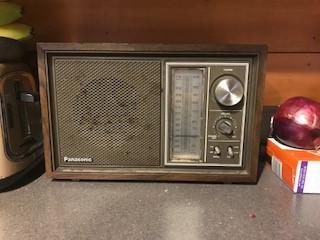 Amanda and Danny's kitchen radio