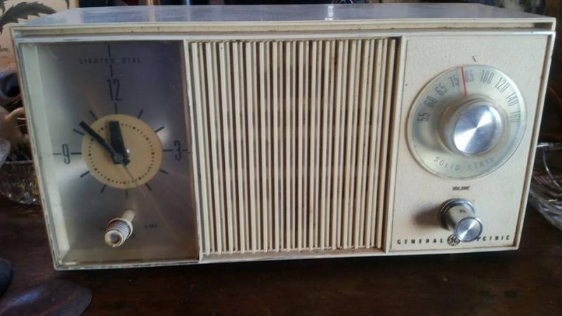 A nice vintage radio from Quinn!