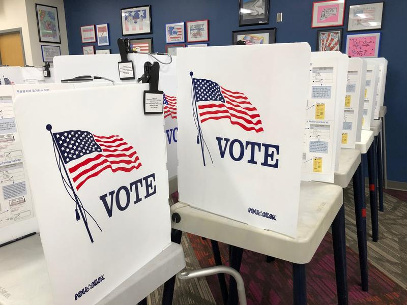 Elections Offices in Monterey and Santa Cruz Counties are open for early voting.