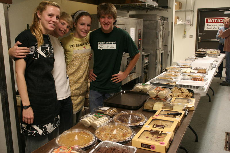 Volunteers serve up Thanksgiving dinner at Lee's in Columbia.
