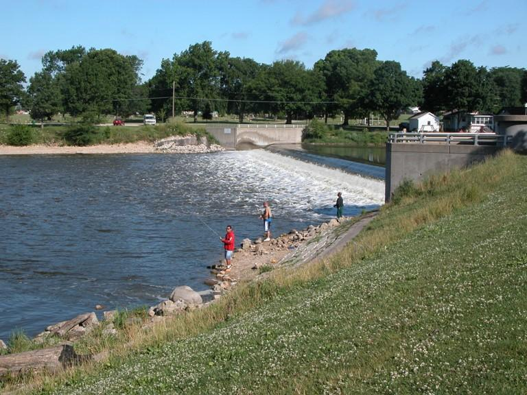 Fox River at Montgomery, IL streamflow gaging station and control