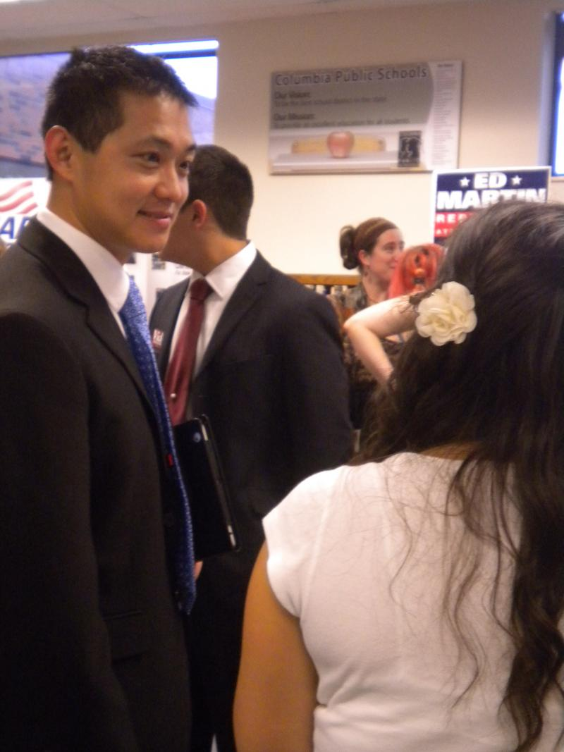 Teacher of Oakland Junior High's Honors Government class Joshua Johnson talks to his students at the mock political convention held on October 25.