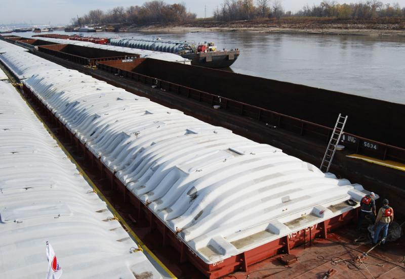 Grain barges are between 195 and 200 feet long and 35 feet wide.