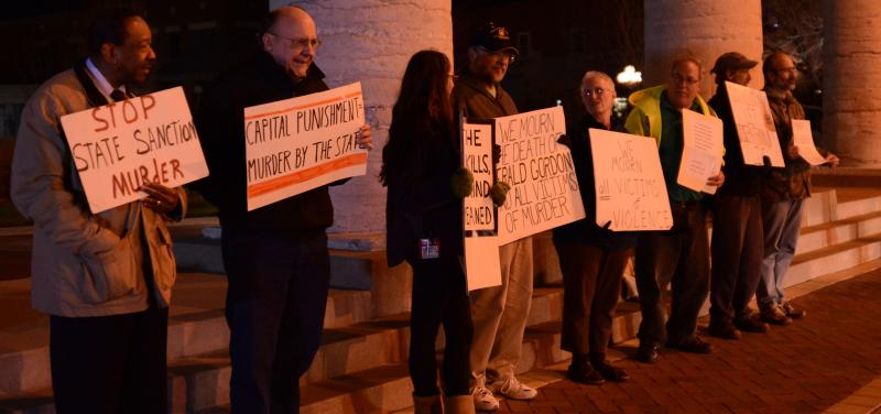 protesters outside courthouse