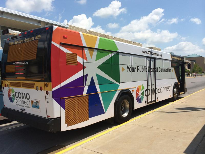 A bus with a new logo advertising COMO Connect was revealed to the public Tuesday afternoon in Columbia, Mo. The new logo was designed by students from Stephens College.