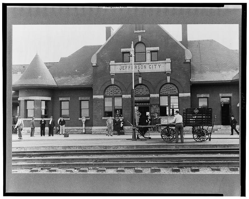 Railroad station, Jefferson City, Mo. (May 1940)