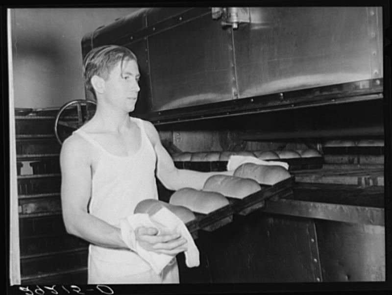Baking bread. Columbia, Mo. Perhaps the predecessor to Uprise Bakery? (November 1939)