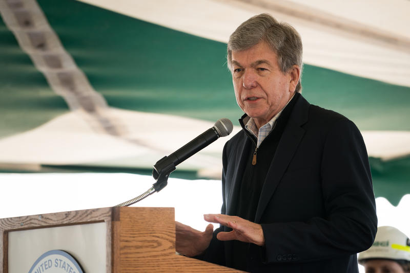 Sen. Roy Blunt addresses a crowd of Thomas Hill Energy Center employees at a 2017 event.