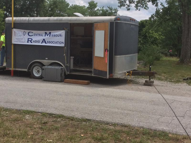 The Central Missouri Radio Association, who set up the field day in Columbia, have a more complex setup.