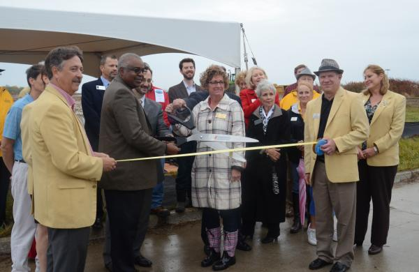 columbia public school leaders hold ribbon cutting for new elementary school