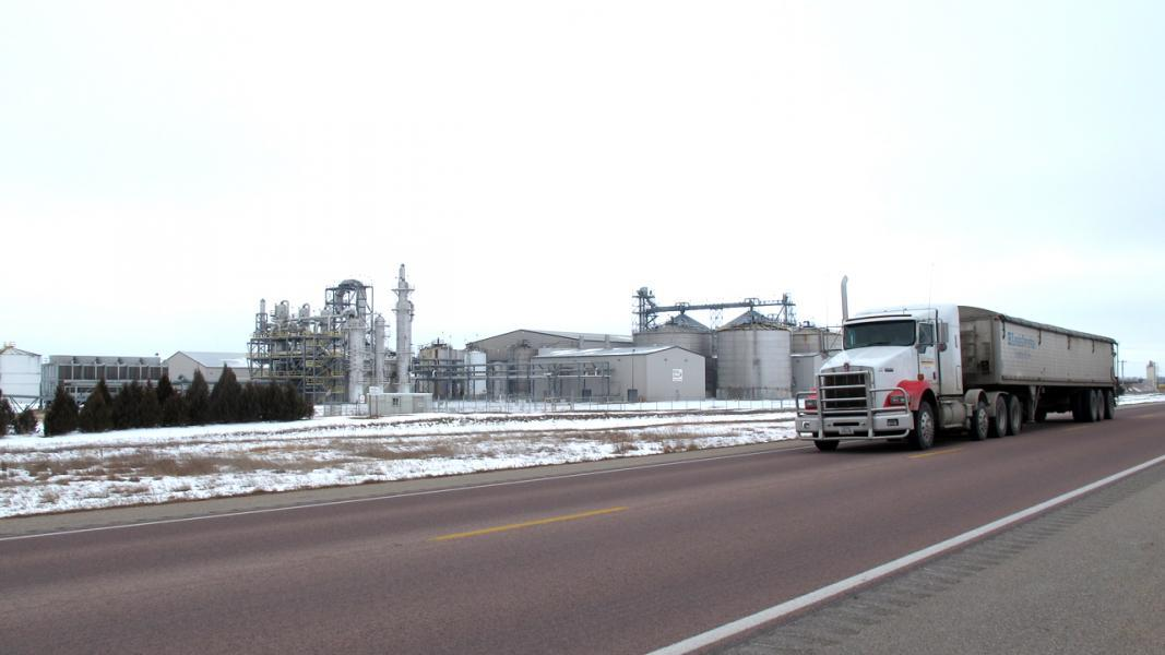Idle ethanol plants wait for new fuel standards | KBIA