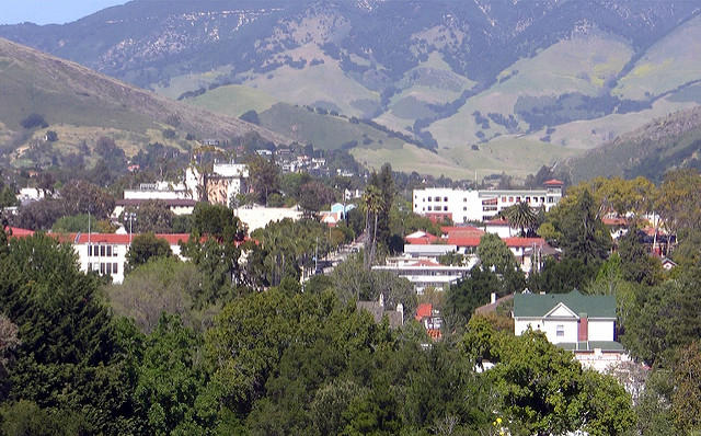 San Luis Obispo takes top spot on \'Best College Towns\' list | KCBX