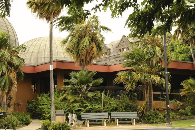 Bishop Museum outside Planetarium