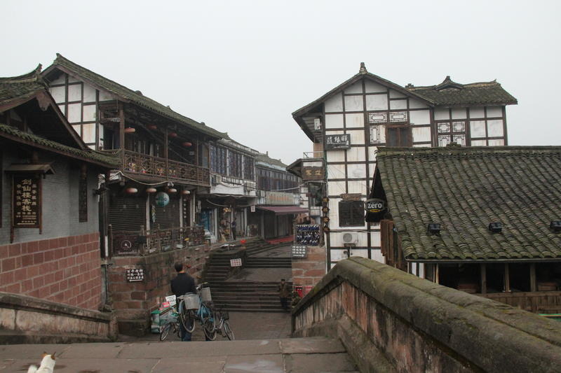 Many of Pingle Ancient Town's structures date from the Ming and Qing Dynasties