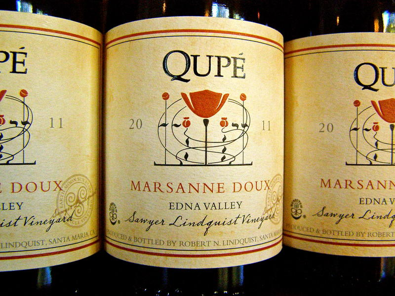 Qupé Vineyards wine label