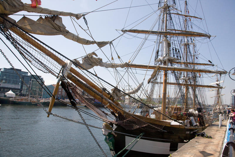 Tall Ship Jeanie Johnston in port