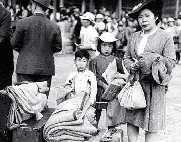 Japanese en route to internment camps spring 1942