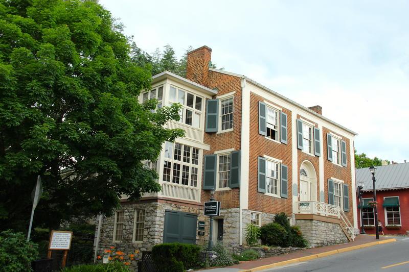 typical architecture downtown Lexington Virginia