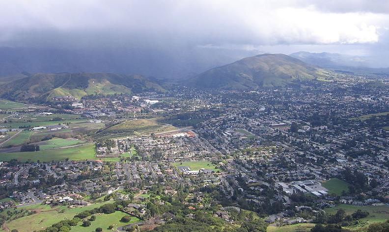 A view of San Luis Obispo frop atop Bishop's Peak.