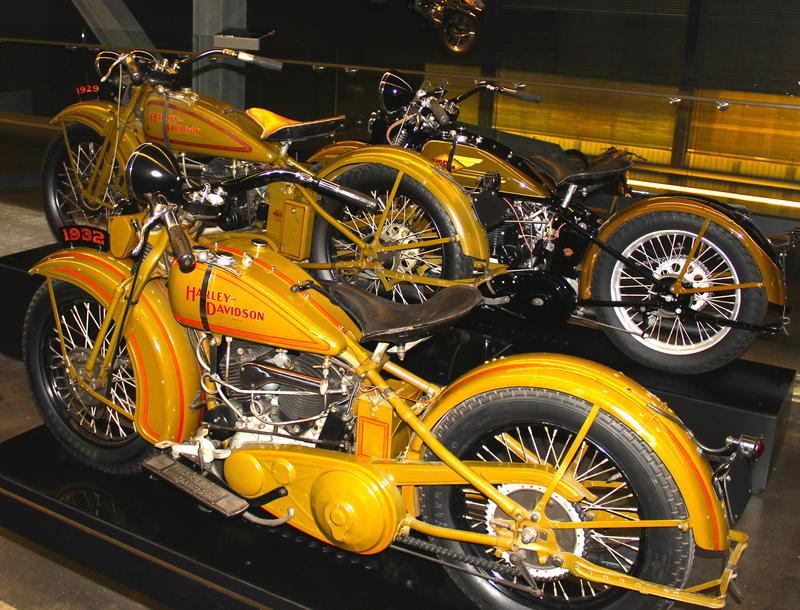 1929 & 1932 Harley-Davidson motorcycles