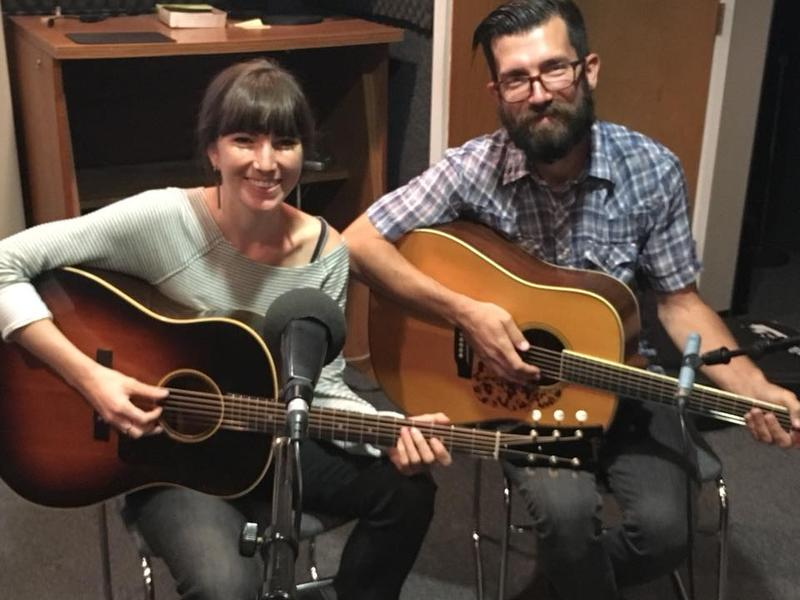 Singer-songwriters Anna Tivel and Chris Beland