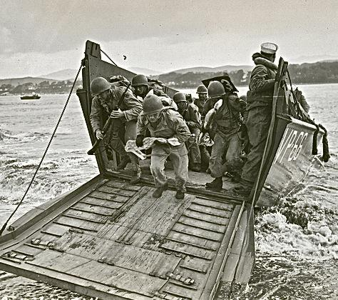 Landing craft coming ashore on the Morro Bay sandspit during WWII training