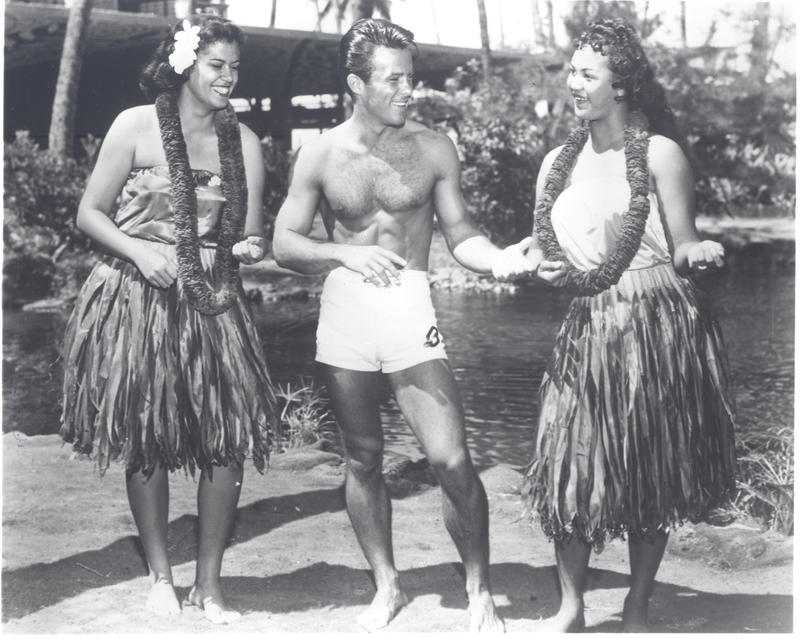 1959 Hollywood star Robert Conrad at the Hilton Hawaiian Village