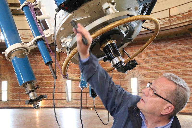 Dan Koehler operates the world's largest Refracting telescope, built in 1897 at Yerkes Observatory