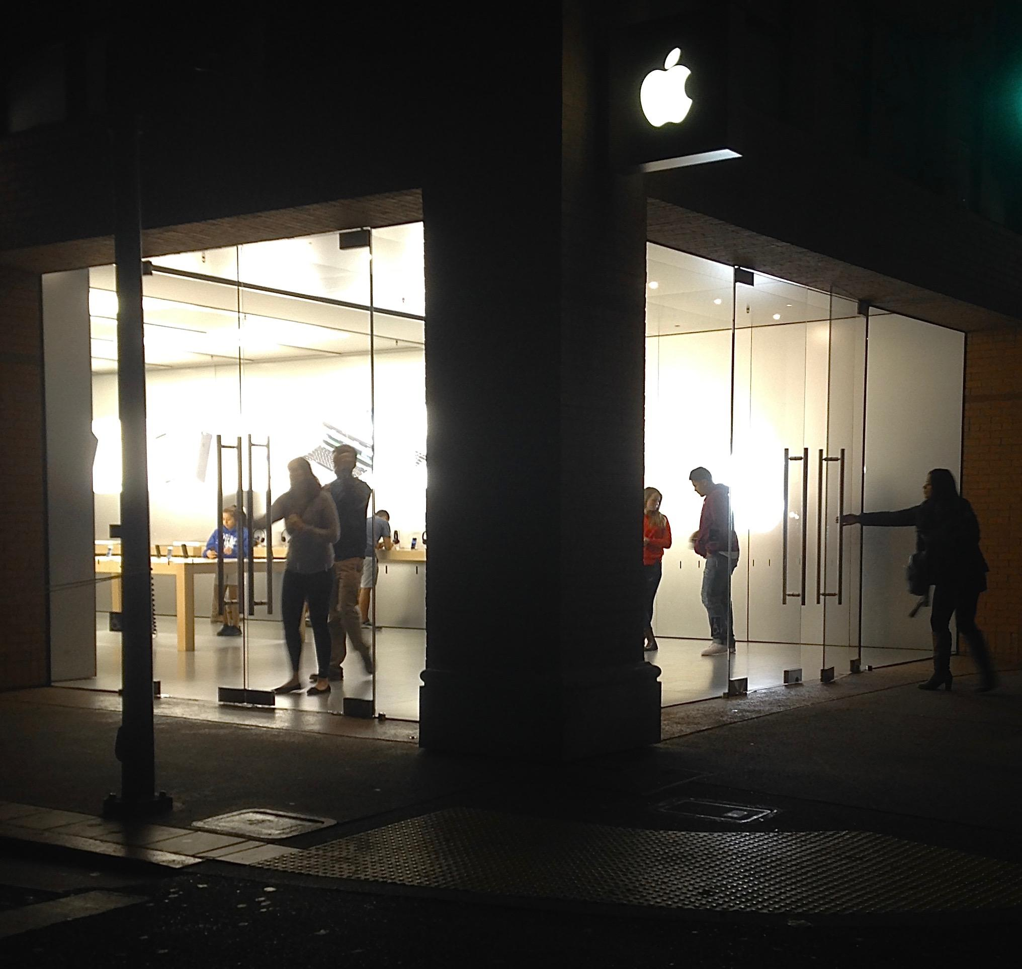 SLO police help lead investigation into Apple store robberies