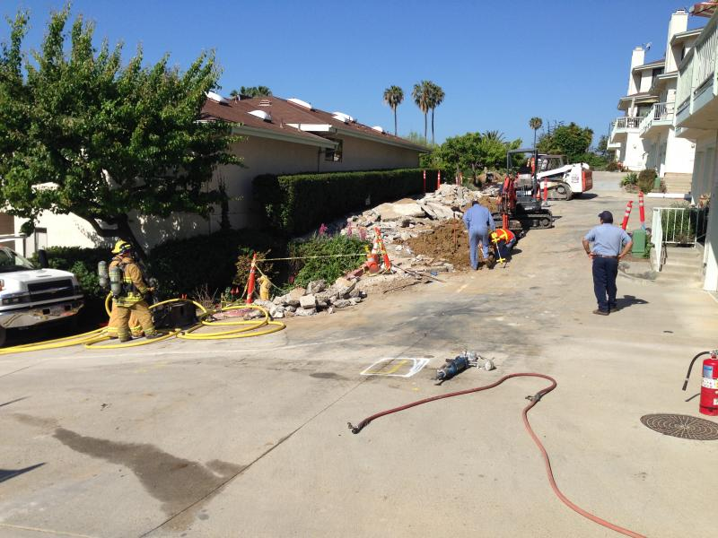 Ventura Firefighters, gas company crews work to safely shut down leak after gas line accidentially cut in neighborhood