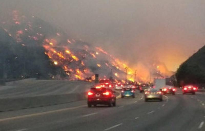 Brush fire briefly closed Highway 118 between Los Angeles and Ventura Counties Sunday night