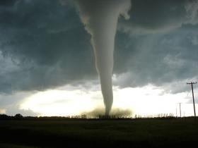 Category F5 tornado viewed from the southeast as it approached Elie, Manitoba on Friday, June 22, 2007