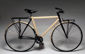 Lance Rake has designed a bamboo frame for bikes.