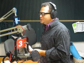 Tenor Nathan Granner sings 'We Are The Champions' on Up to Date's karaoke show.