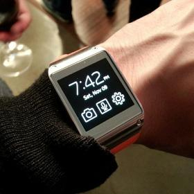 Samsung's Galaxy Gear Smart Watch is one of the gadgets catching our Techsperts' eye this season.