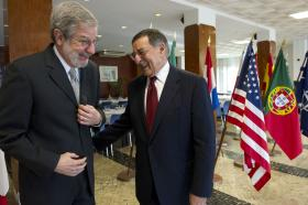 Former U.S. Ambassador to Portugal, Allan Katz, (left) with Secretary of Defense Leon E. Panetta.