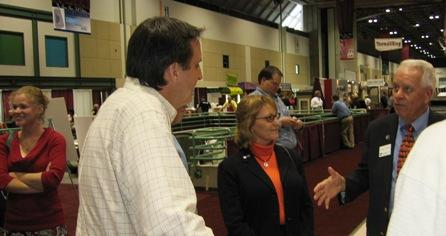 Governor  Tim Pawlenty(Repub, Minn.), Left,  tours KC homeshow. Builders give him  bleak  construction outlook.