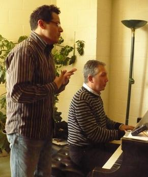 Genaro Mendez and Julio Alexis Munoz rehearse <i>Del Cabello Mas Sutil</i> by Fernando Obradors.  Photo by Sylvia Maria Gross / KCUR.