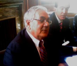 Barney Frank discussing financial industry reform with local bankers.