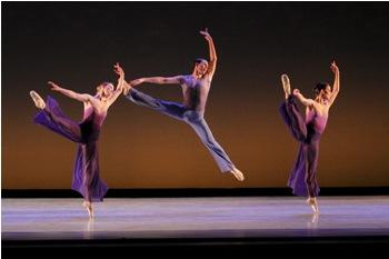 "Kansas City Ballet dancers Catherine Russell, Charles Martin & Nadia Iozzo in Toni Pimble's ""Concerto Grosso."""