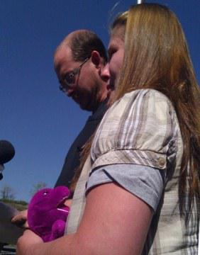 Parents of Lisa Irwin, toddler  believed  abducted, plead for  child's safe return.