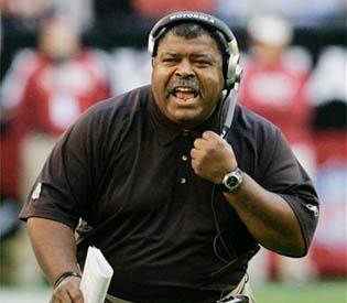 Romeo Crennel, former Chiefs head coach, learned Monday that he was fired.