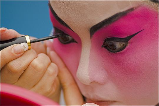 Chinese opera star prepares for a show in Hong Kong
