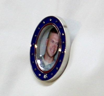 Medallion to honor late SGT Michael Knapp.