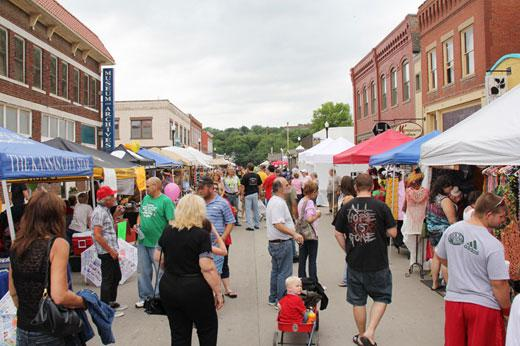 The crowd gathers for Waterfest at Excelsior Springs
